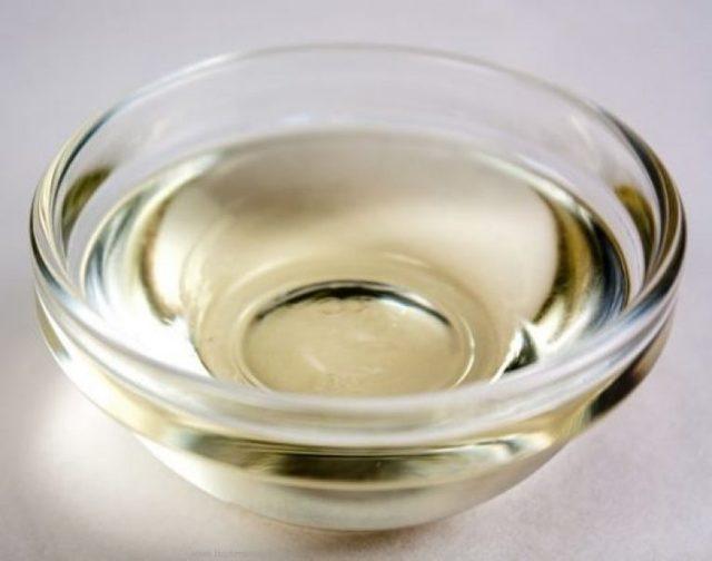 Как дать коту вазелиновое масло при запоре
